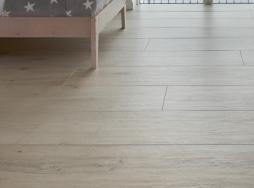 Porcelain floor & wall